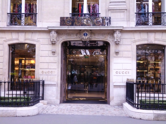 Gucci doorway , Paris